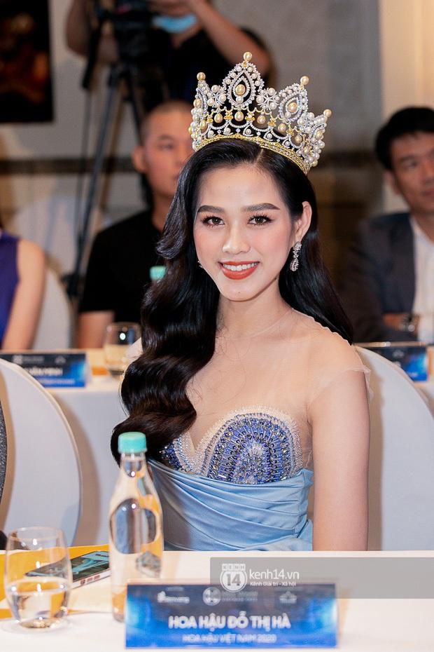 Ngày hôm nay, dường như Hoa hậu Đỗ Thị Hà có thù với makeup và trang phục - Ảnh 3.