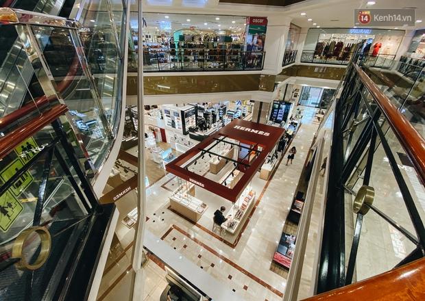 """Diamond Plaza - nơi các """"fashionista"""" tụ hội và chứa nhiều kỷ niệm của 8x, 9x đời đầu ở Sài Gòn hiện giờ ra sao? - Ảnh 5."""