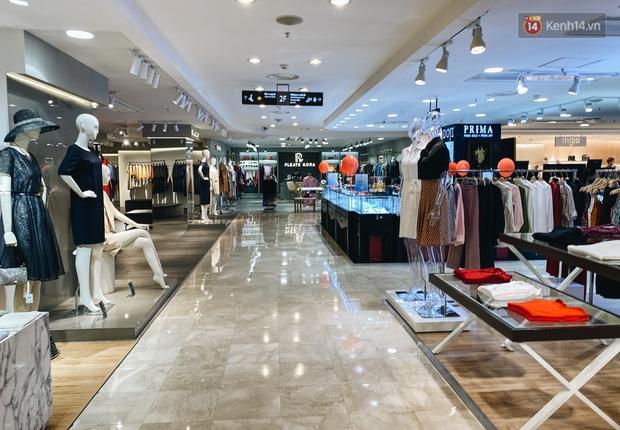 """Diamond Plaza - nơi các """"fashionista"""" tụ hội và chứa nhiều kỷ niệm của 8x, 9x đời đầu ở Sài Gòn hiện giờ ra sao? - Ảnh 8."""