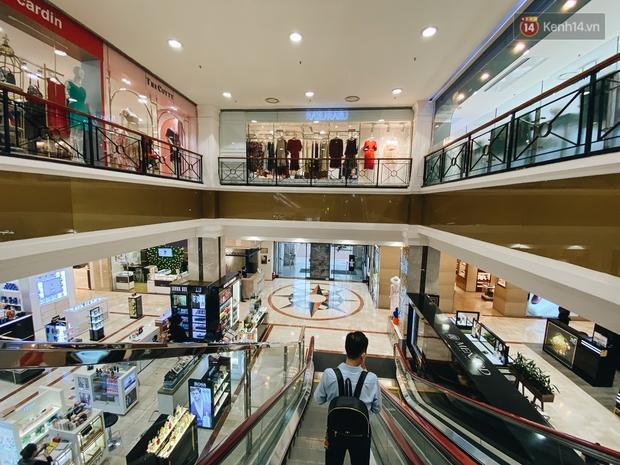 """Diamond Plaza - nơi các """"fashionista"""" tụ hội và chứa nhiều kỷ niệm của 8x, 9x đời đầu ở Sài Gòn hiện giờ ra sao? - Ảnh 6."""