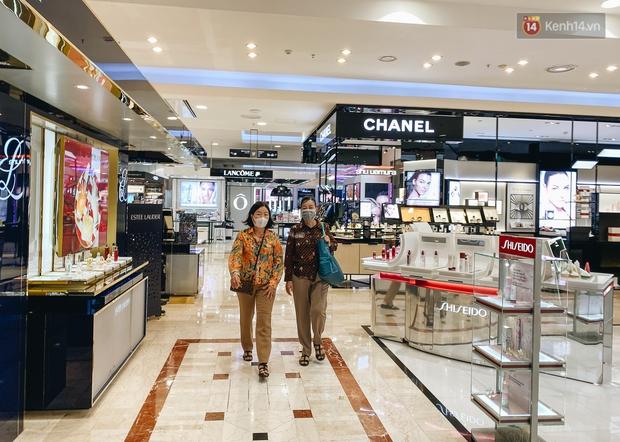 """Diamond Plaza - nơi các """"fashionista"""" tụ hội và chứa nhiều kỷ niệm của 8x, 9x đời đầu ở Sài Gòn hiện giờ ra sao? - Ảnh 16."""