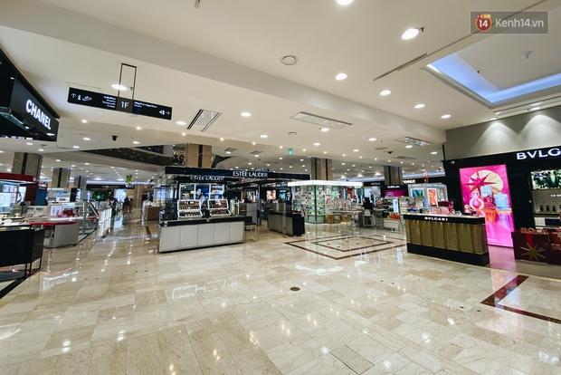 """Diamond Plaza - nơi các """"fashionista"""" tụ hội và chứa nhiều kỷ niệm của 8x, 9x đời đầu ở Sài Gòn hiện giờ ra sao? - Ảnh 13."""