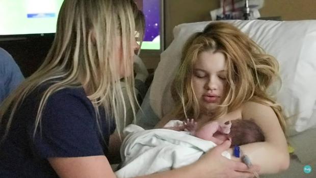 Bà mẹ nhí một mình sinh em bé khi 13 tuổi trải lòng sau 3 năm sóng gió, diện mạo đứa trẻ khiến ai cũng trầm trồ - Ảnh 1.