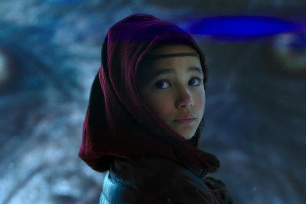 Sao nhí 9 tuổi gây nổ bom tấn Godzilla vs. Kong: Cô bé lai Hàn - Mỹ bị điếc, gia đình 4 đời khiếm thính và kỳ tích khiến thế giới trầm trồ - Ảnh 3.