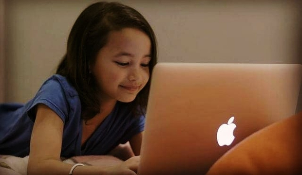 Sao nhí 9 tuổi gây nổ bom tấn Godzilla vs. Kong: Cô bé lai Hàn - Mỹ bị điếc, gia đình 4 đời khiếm thính và kỳ tích khiến thế giới trầm trồ - Ảnh 6.