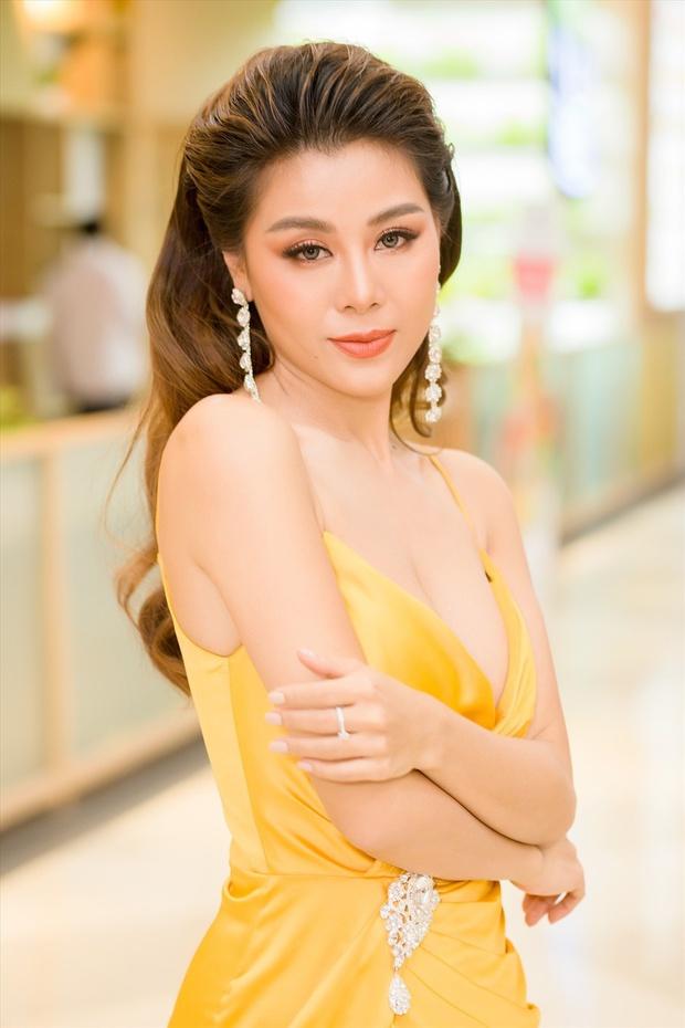Khánh Vân - người chơi hệ ảnh film mới nổi: Nam Thư bỗng đẹp như Phạm Băng Băng, Hậu Hoàng hiền khô khác hẳn chính chủ tự chụp - Ảnh 7.