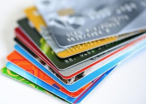 Từ 31/3, dừng phát hành thẻ từ ATM - Ảnh 1.