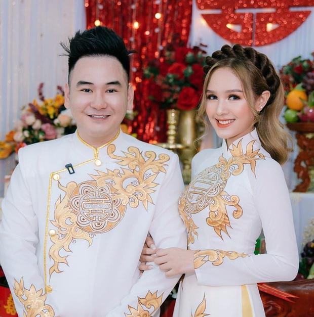Bị góp ý vì xưng hô thiếu tôn trọng với MC lớn tuổi trên sóng truyền hình, vợ trẻ streamer giàu nhất Việt Nam phản pháo thuyết phục - Ảnh 1.