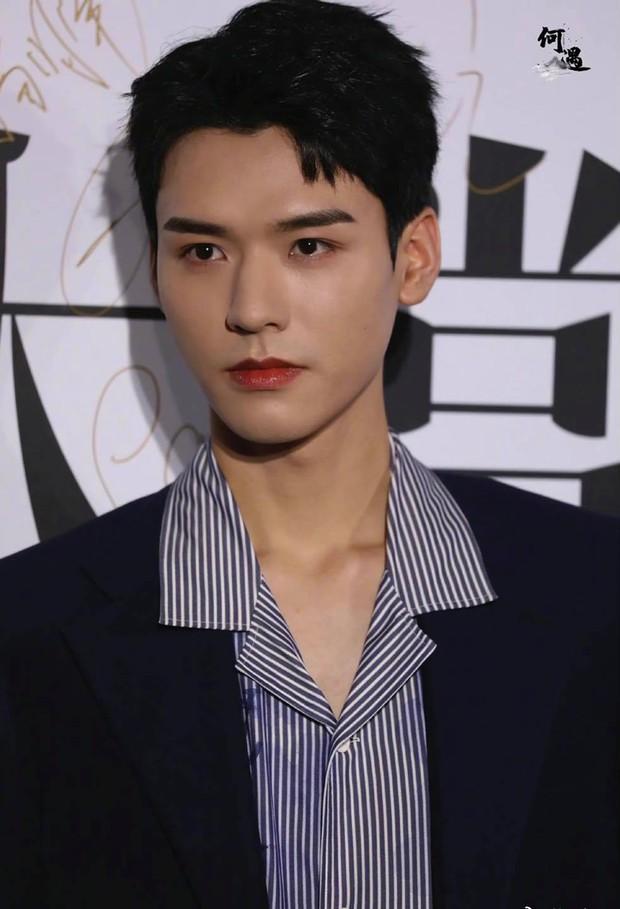 Ảnh chưa qua chỉnh sửa của mỹ nam Thiên Nhai Khách gây bão Weibo: Không tìm ra khuyết điểm, fan nữ ghen tị đỏ mắt - Ảnh 3.