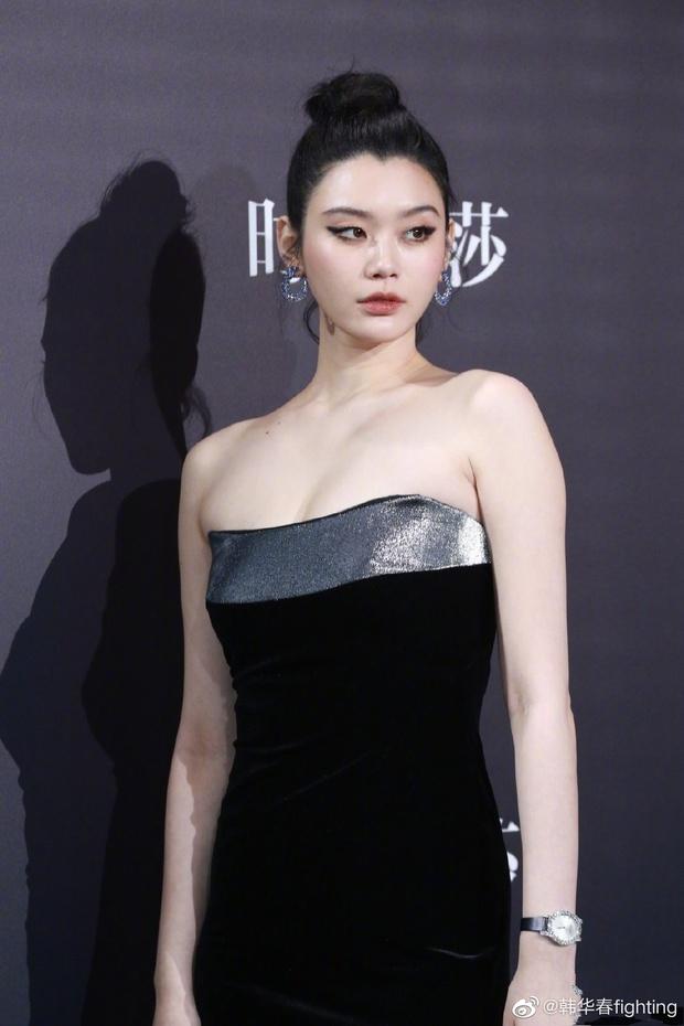 Thảm đỏ khủng Bazaar Icons: Angela Baby tuột dốc visual, Dương Tử gây thất vọng toàn tập vì chiếc váy rúm ró - Ảnh 14.