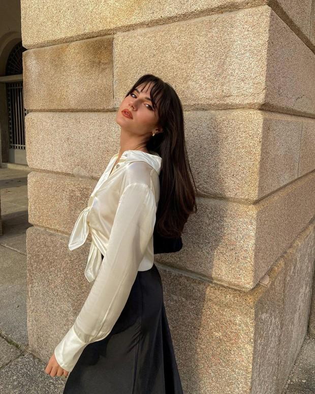 Điểm mặt 5 kiểu áo sơ mi của phụ nữ Pháp, chỉ cần diện đơn giản cũng đạt 100 điểm tinh tế! - Ảnh 2.