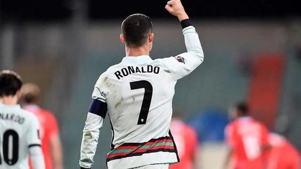 Ronaldo và những ngày thật dài theo đuổi kỳ tích - Ảnh 3.