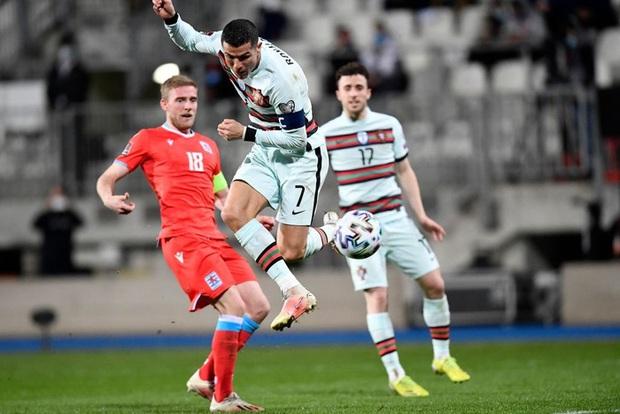 Ronaldo ghi bàn giúp Bồ Đào Nha ngược dòng hạ nhược tiểu Luxembourg - Ảnh 4.