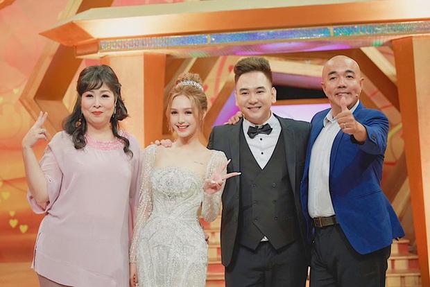 Bị góp ý vì xưng hô thiếu tôn trọng với MC lớn tuổi trên sóng truyền hình, vợ trẻ streamer giàu nhất Việt Nam phản pháo thuyết phục - Ảnh 5.