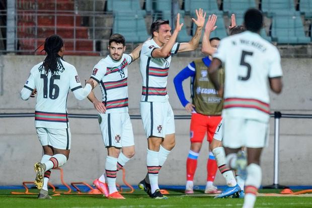 Ronaldo ghi bàn giúp Bồ Đào Nha ngược dòng hạ nhược tiểu Luxembourg - Ảnh 6.