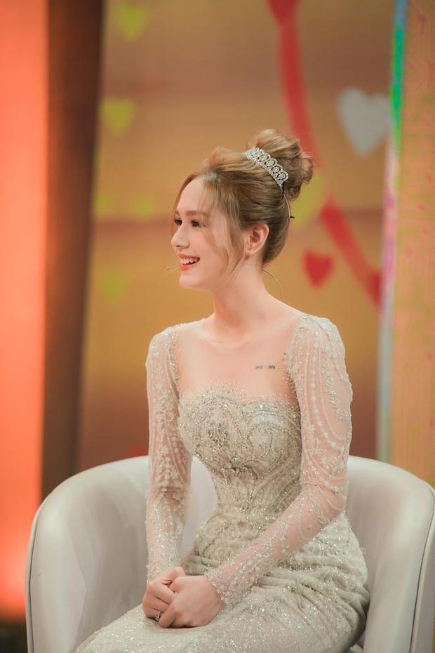 Bị góp ý vì xưng hô thiếu tôn trọng với MC lớn tuổi trên sóng truyền hình, vợ trẻ streamer giàu nhất Việt Nam phản pháo thuyết phục - Ảnh 7.