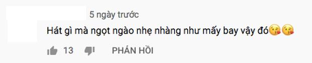 Quang Trung cover Nàng Thơ, không cho khán giả cười nhưng netizen nào chịu để yên - Ảnh 4.