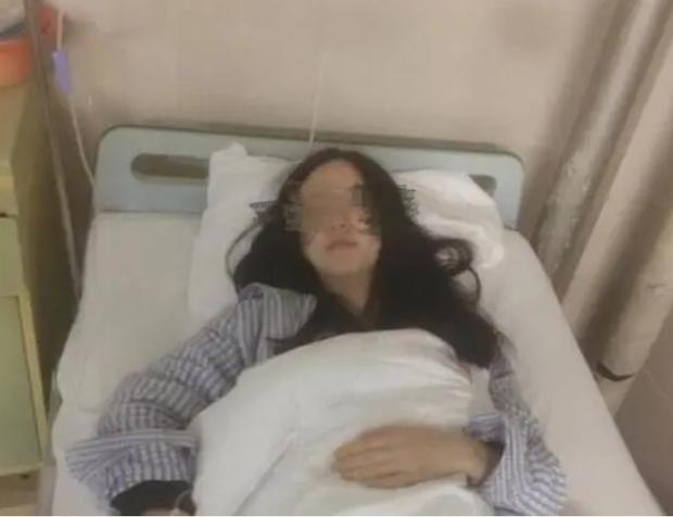 Cô gái 26 tuổi mắc ung thư cổ tử cung vì thường xuyên làm 3 việc trong kỳ kinh nguyệt dễ gây nhiễm vi rút HPV nhất - Ảnh 1.