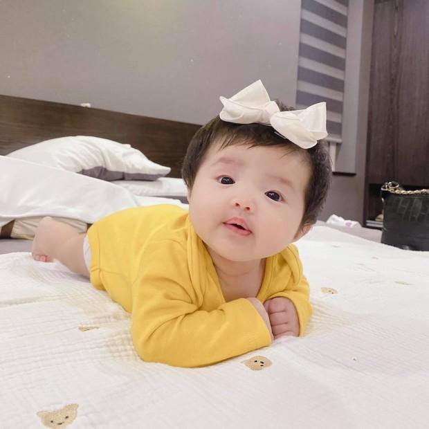 """""""Thánh meme thế hệ mới"""" gọi tên con gái Đông Nhi: Từ cute """"hột me"""" đến ăn vạ đủ cả, bảo sao vừa lập Instagram đã có cả chục nghìn fan - Ảnh 8."""