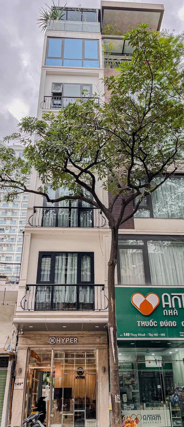 Nhà phố 2 mặt tiền của vợ chồng Hà Nội: Tổng giá trị 16 tỷ, vị trí đắc địa đối diện là hồ Tây, sau lưng là chung cư - Ảnh 1.