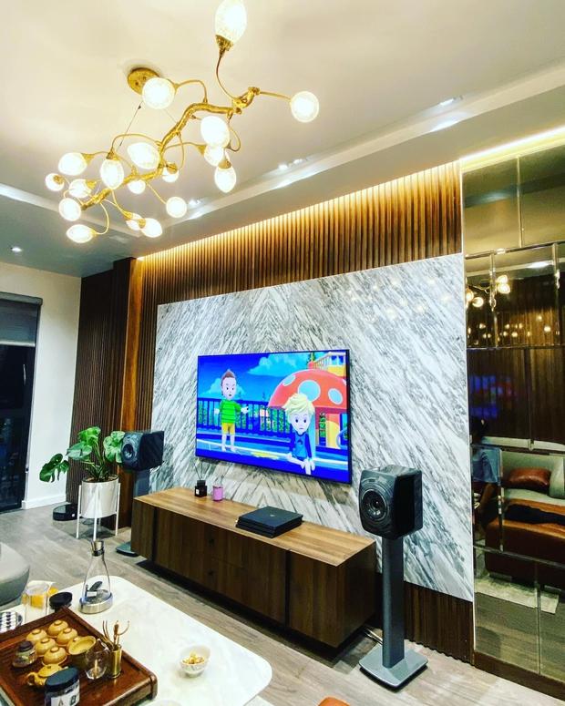 Nhà phố 2 mặt tiền của vợ chồng Hà Nội: Tổng giá trị 16 tỷ, vị trí đắc địa đối diện là hồ Tây, sau lưng là chung cư - Ảnh 3.