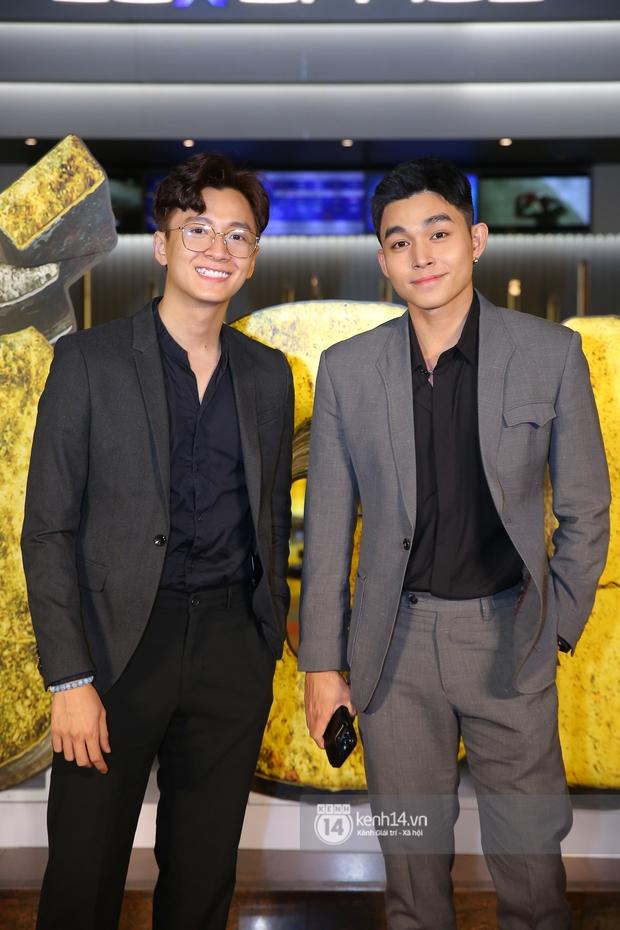 Cặp đôi nhà Đông Nhi, Lệ Quyên thi nhau show ân ái không kém cạnh Trấn Thành - Hariwon ở siêu thảm đỏ Bố Già - Ảnh 43.