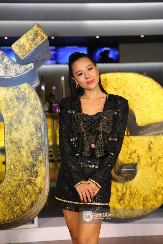 Cặp đôi nhà Đông Nhi, Lệ Quyên thi nhau show ân ái không kém cạnh Trấn Thành - Hariwon ở siêu thảm đỏ Bố Già - Ảnh 42.