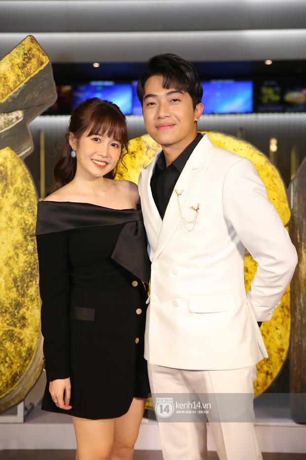 Cặp đôi nhà Đông Nhi, Lệ Quyên thi nhau show ân ái không kém cạnh Trấn Thành - Hariwon ở siêu thảm đỏ Bố Già - Ảnh 7.