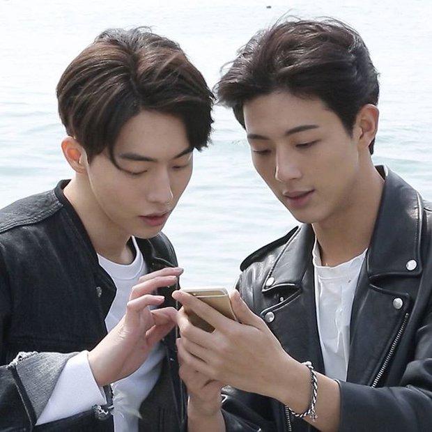 Ji Soo cực thân thiết với 1 nam diễn viên đến mức bị nhiều người hiểu lầm! - Ảnh 6.