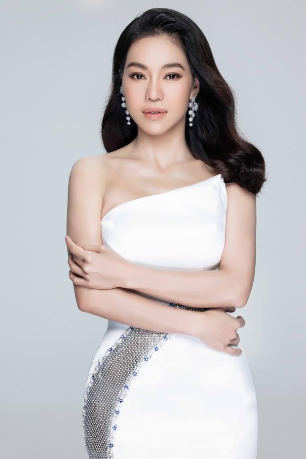 """Miss World VN 2021 trở lại: Lương Thuỳ Linh khoe chân dài 1m22 bên 2 Á hậu, BTC chấp nhận thí sinh """"dao kéo"""" - Ảnh 8."""