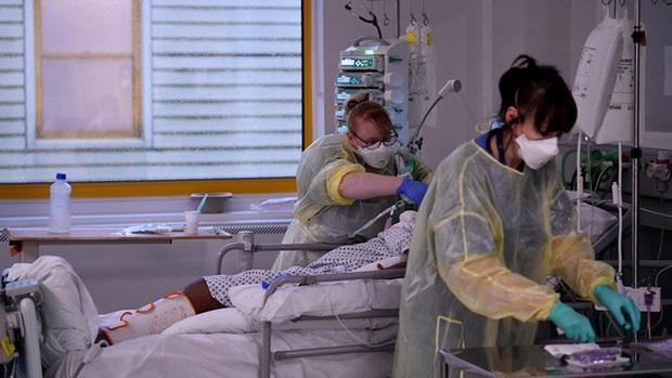 Hơn 115 triệu ca nhiễm COVID-19 trên thế giới, Nhật Bản cân nhắc gia hạn tình trạng khẩn cấp - Ảnh 2.