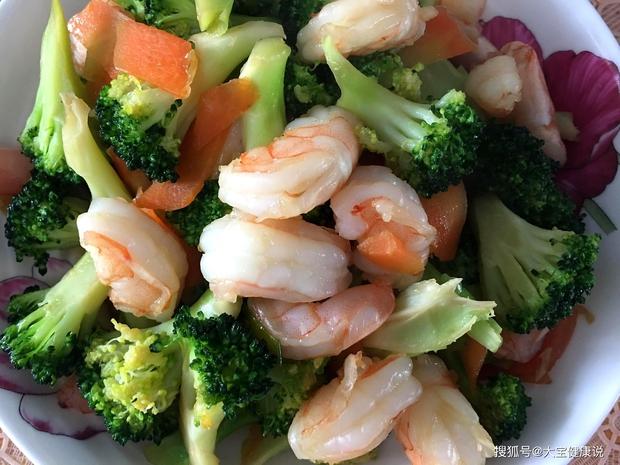 4 loại thực phẩm làm giảm vi khuẩn HP trong dạ dày, ăn thường xuyên trong bữa trưa để tránh hàng loạt bệnh về đường ruột và tiêu hóa - Ảnh 2.