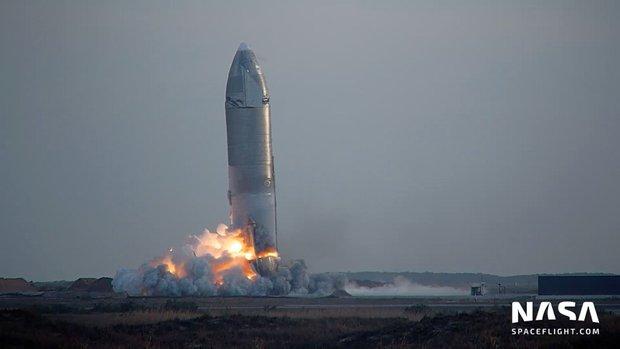 Tưởng hạ cánh thành công, tàu vũ trụ SpaceX lại đột ngột nổ tung - Ảnh 2.