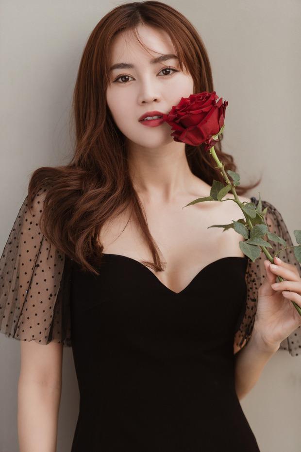 Ninh Dương Lan Ngọc đã vui trở lại: Tung clip làm cô dâu đẹp tựa nàng thơ, thần thái tươi hẳn lên hậu dính lùm xùm clip nóng - Ảnh 7.