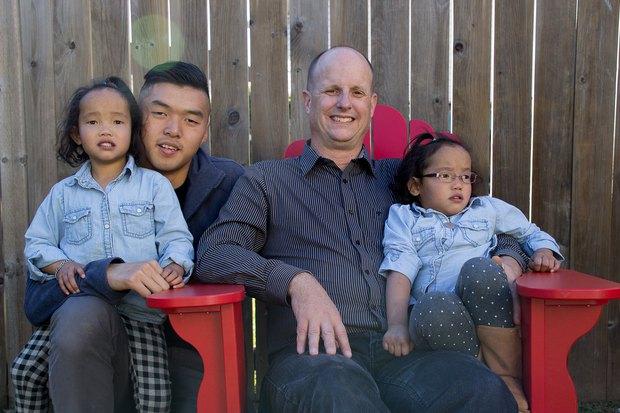 Ứa nước mắt nghe chuyện về cặp vợ chồng Canada tìm sự sống cho 2 con nuôi gốc Việt: Chuẩn bị sẵn hũ đựng tro cốt vì chẳng còn nhiều hy vọng nhưng rồi phép màu đã đến! - Ảnh 9.