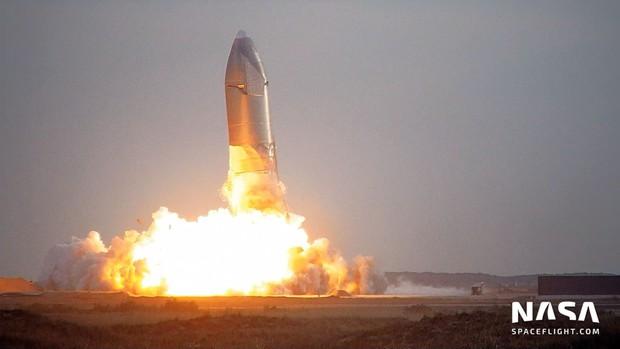 Tưởng hạ cánh thành công, tàu vũ trụ SpaceX lại đột ngột nổ tung - Ảnh 3.