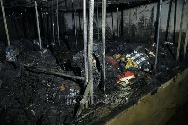Điện Biên: Cháy lớn thiêu rụi nhiều ki ốt ở Chợ Noong Bua - Ảnh 3.