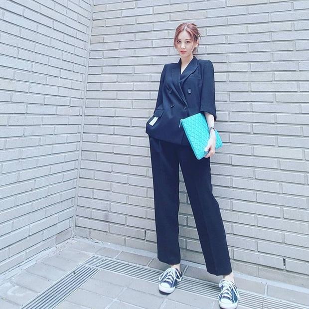 Hội mỹ nhân Kbiz có 12 cách mặc blazer rất trẻ mà cực sang, chị em học ngay để lên đời phong cách - Ảnh 6.