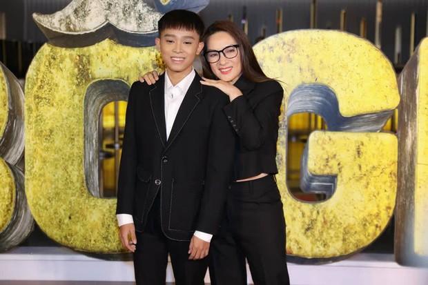 Não cá vàng số 1 Vbiz gọi tên ca sĩ Phi Nhung: Cùng con trai đến sự kiện sau ồn ào mà gặp sự cố cười ra nước mắt - Ảnh 4.
