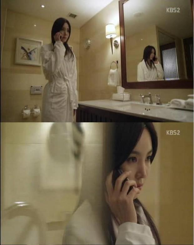 Nhân duyên tiền kiếp của hội Penthouse: Bà cả Lee Ji Ah đã quen trai trẻ Park Eun Seok từ cả thập kỷ trước - Ảnh 13.
