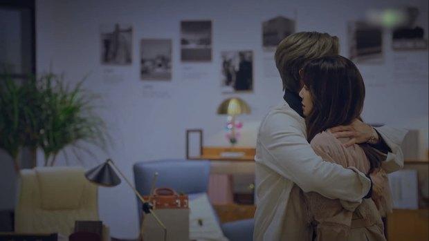 Nhân duyên tiền kiếp của hội Penthouse: Bà cả Lee Ji Ah đã quen trai trẻ Park Eun Seok từ cả thập kỷ trước - Ảnh 22.