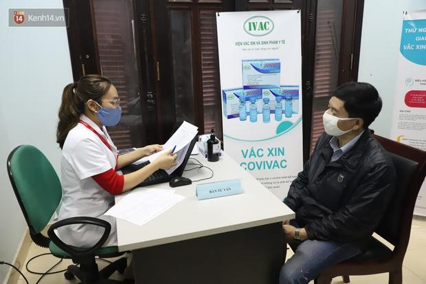 Nam tiếp viên hàng không bay từ TP.HCM ra Hà Nội đăng ký tiêm thử nghiệm vaccine Covid-19 made in Vietnam - Ảnh 7.