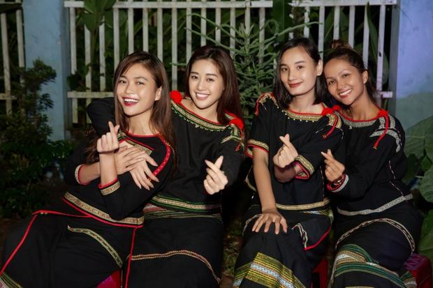 HHen Niê đăng hình cũ mừng sinh nhật Mâu Thủy: Cô PG năm nào đã trở thành Hoa hậu đình đám bậc nhất Việt Nam - Ảnh 6.