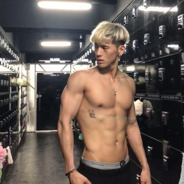Không ngờ nam Idol có body hot nhất nhì Kpop cũng từng là nạn nhân của bạo lực học đường! - Ảnh 6.