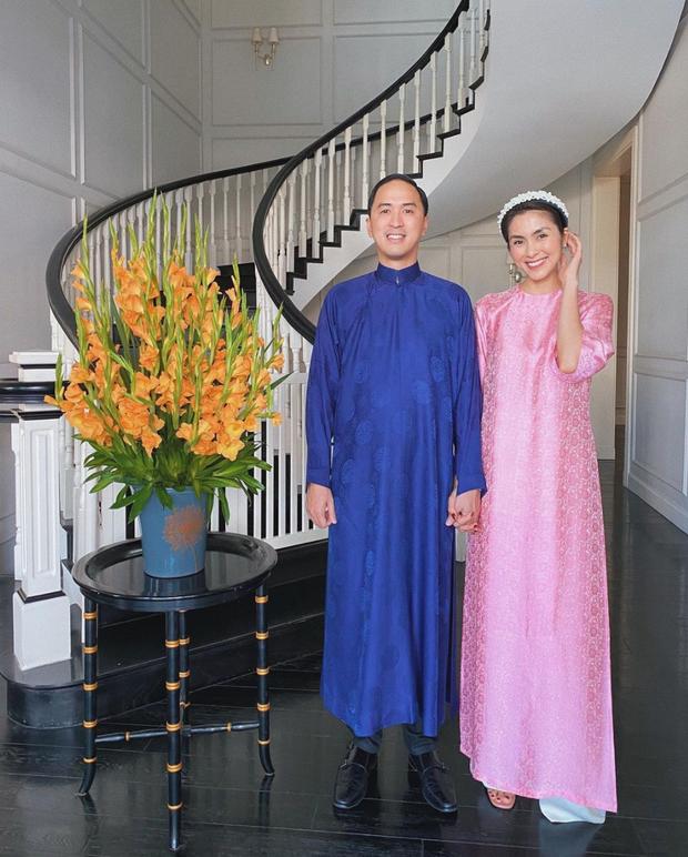 Khi người đẹp sống ảo tại gia: Hà Tăng mê mẩn 1 góc, Hương Giang khoe khéo sự giàu có ở phòng đồ hiệu - Ảnh 3.