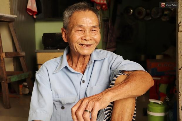 60 năm làm vợ chồng, ông vẫn giặt đồ, tắm gội cho bà lúc ốm đau, bệnh tật: Tui không có con, cả đời này có mình bả thôi - Ảnh 9.