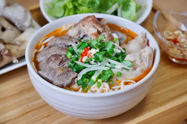 Chàng du học sinh phá đảo hội Yêu Bếp bằng loạt món Việt, luôn bị nhầm là con gái vì nấu ăn ngon - Ảnh 4.