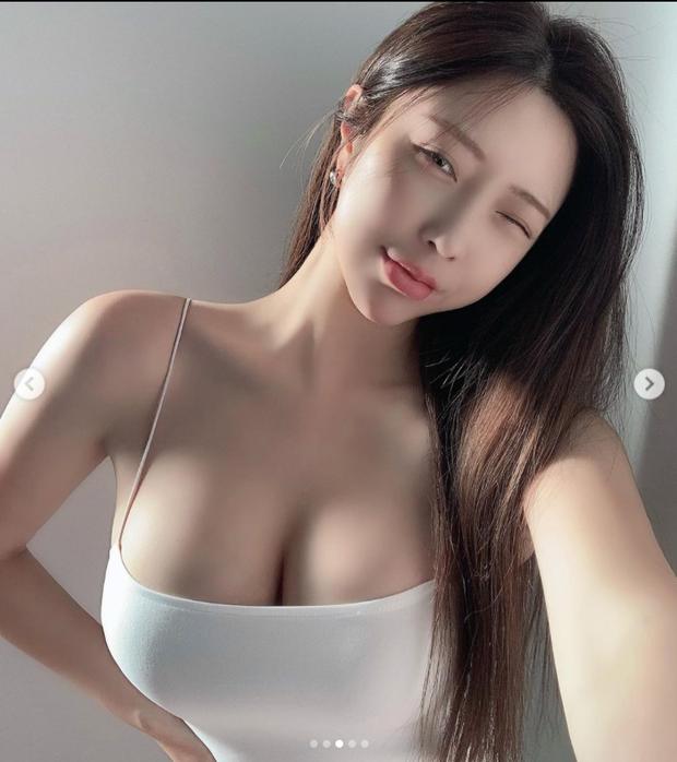 Hot girl ngực khủng, mông căng nổi như cồn sau khi chụp hẳn X-quang để chứng minh hàng thật, được trả 711 tỷ để làm streamer độc quyền vẫn thẳng thừng từ chối - Ảnh 1.