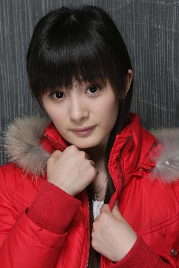 Dương Mịch nói thời đi học không một ai theo đuổi cô, nhìn ảnh năm xưa netizen mới vỡ lẽ lý do - Ảnh 4.