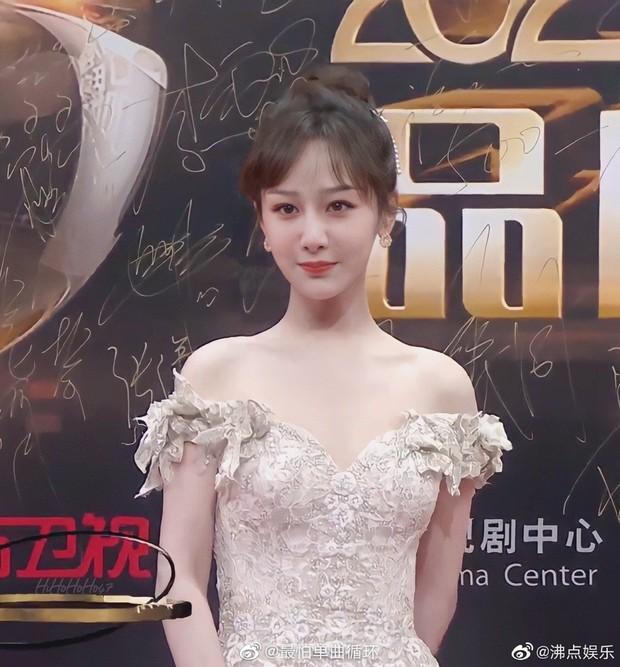 Nhờ giảm cân, lợi thế ngoại hình chưa từng được hé lộ của Dương Tử gây sốt khắp Weibo, chấp luôn cả ảnh không PTS - Ảnh 6.
